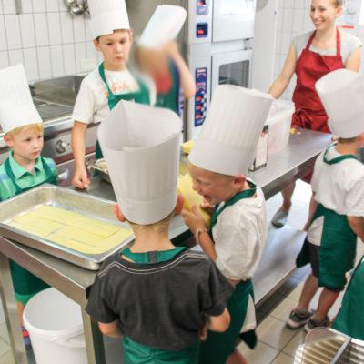 party-service-wasser-kindergarten-kochen-08