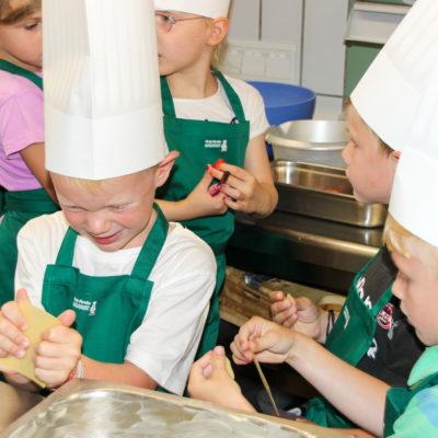 party-service-wasser-kindergarten-kochen-09