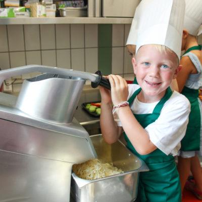 party-service-wasser-kindergarten-kochen-10