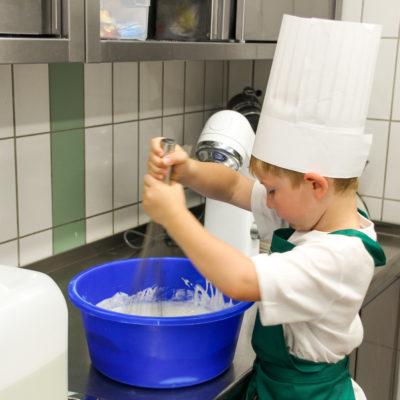 party-service-wasser-kindergarten-kochen-12