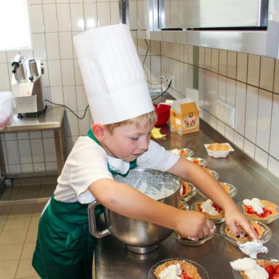 party-service-wasser-kindergarten-kochen-16